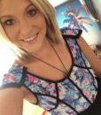 topless-waitress-melbourne-lisa-selfie-4-225×300