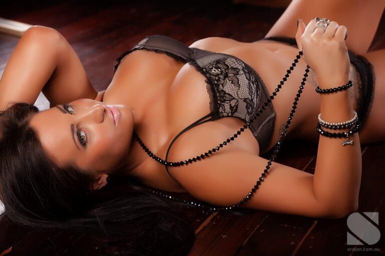 melbourne-topless-barmaid-havanna-2