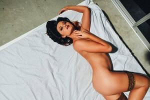 perth-topless-barmaid-callista-3-300×200